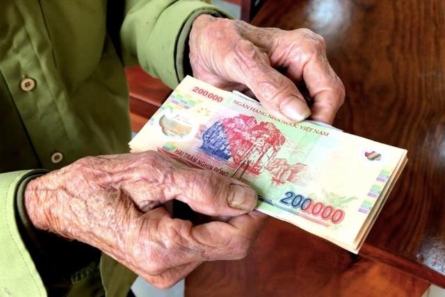 Từ ngày 1/1/2022: Đề xuất tăng 15 % lương hưu, trợ cấp BHXH - 1