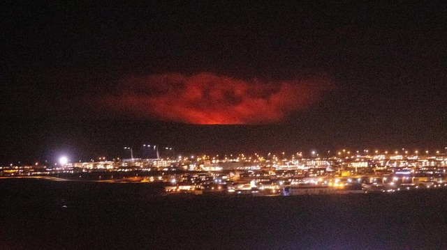 Núi lửa Iceland tỉnh giấc sau 6.000 năm, phun trào dữ dội - 2