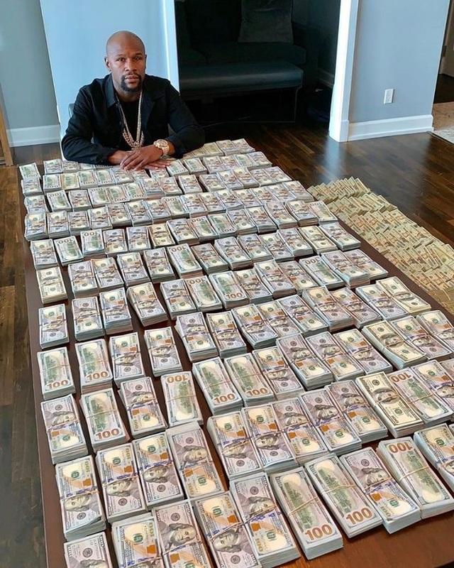 Floyd Mayweather khẳng định tiền bạc không lung lạc nhân cách - 2