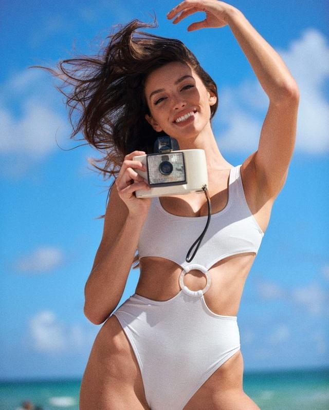 Mê đắm loạt ảnh bikini nóng bỏng của hot girl người Mỹ - 8