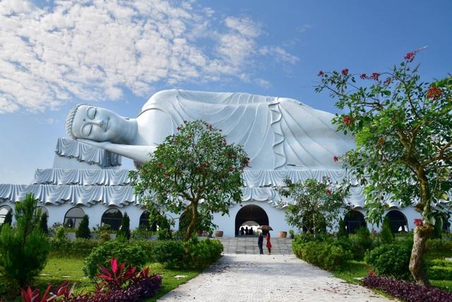 Độc đáo quần thể Đại tượng Phật tại công viên Thiên Đức - 1