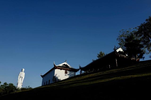 Độc đáo quần thể Đại tượng Phật tại công viên Thiên Đức - 5