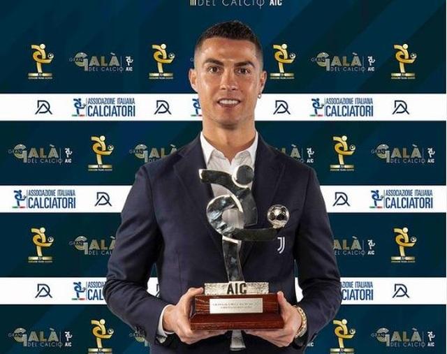 C.Ronaldo lần thứ hai liên tiếp giành giải cầu thủ xuất sắc nhất Serie A - 1