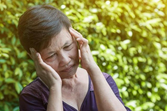 Đi khám vì nói lắp mới phát hiện não bị nhiễm độc do gan yếu - 1