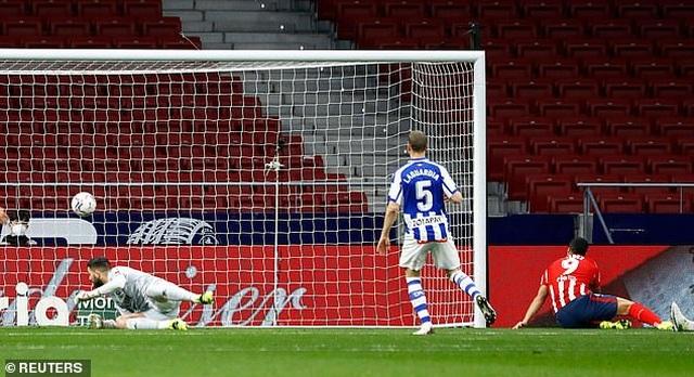 Luis Suarez đạt mốc 500 bàn, Atletico tiếp tục bỏ xa Barcelona, Real Madrid - 2