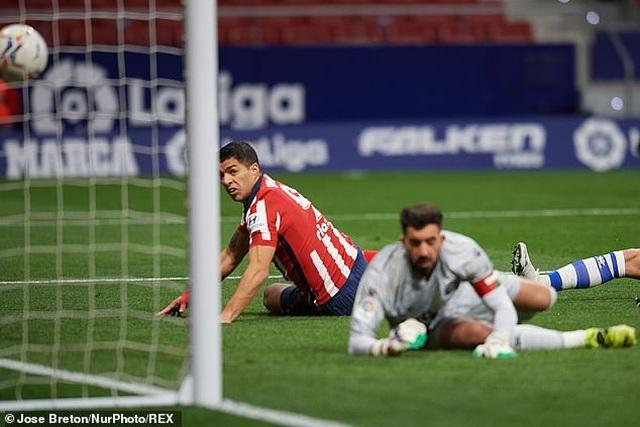 Luis Suarez đạt mốc 500 bàn, Atletico tiếp tục bỏ xa Barcelona, Real Madrid - 1