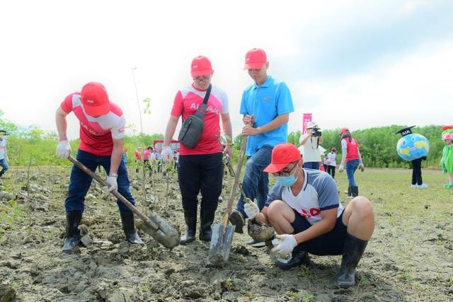 AIA Việt Nam phủ xanh 10.000 cây cho rừng phòng hộ Cần Giờ - 9