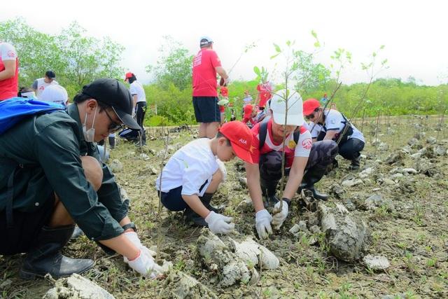 AIA Việt Nam phủ xanh 10.000 cây cho rừng phòng hộ Cần Giờ - 10