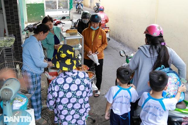 Người phụ nữ 25 năm tần tảo bán cá nục nuôi con ăn học - 5