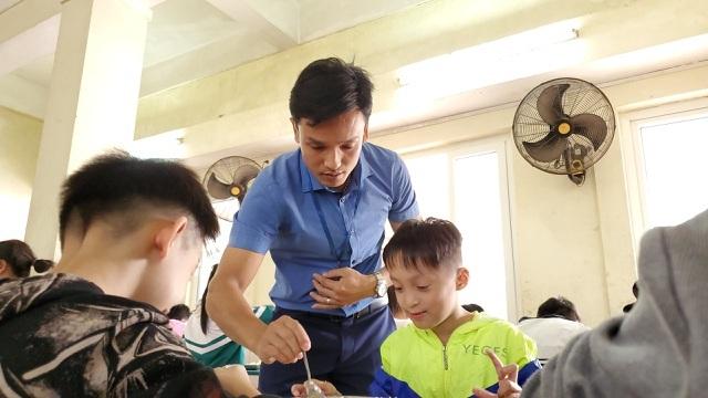 Hơn 3.350 giáo viên tham gia dạy nghề cho người khuyết tật - 1