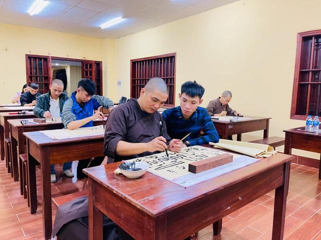 Lớp học thư pháp 0 đồng tại Chùa Long Hưng - 2