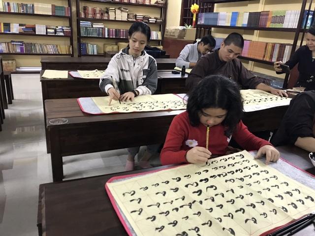 Lớp học thư pháp 0 đồng tại Chùa Long Hưng - 5