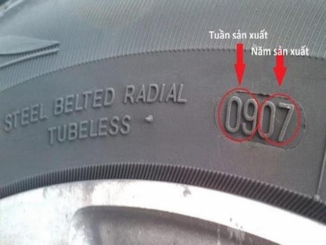 Những dấu hiệu ô tô cần thay lốp sớm để tránh gặp họa trên đường - 1