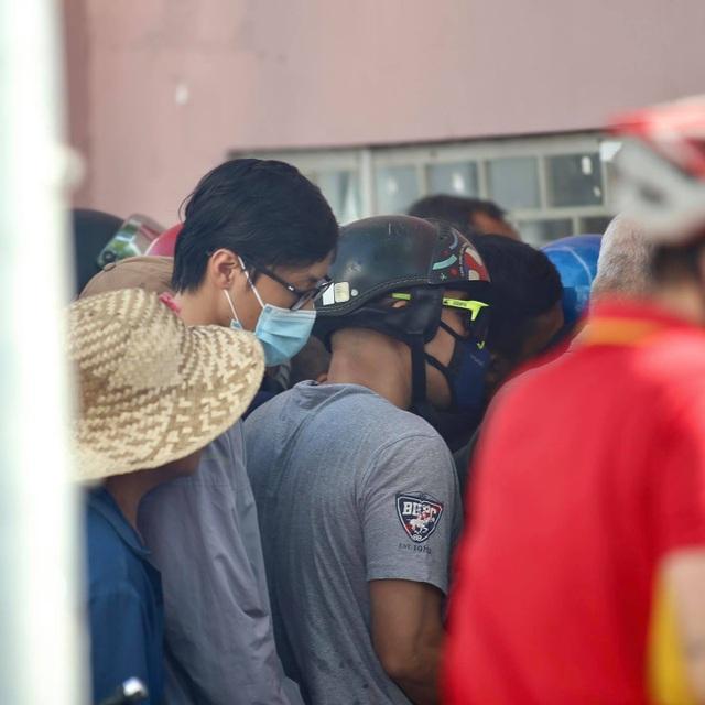 Sốt vé xem Lee Nguyễn đối đầu với Quang Hải ở sân Thống Nhất - 4