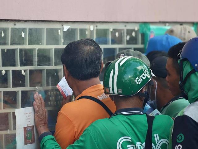 Sốt vé xem Lee Nguyễn đối đầu với Quang Hải ở sân Thống Nhất - 3