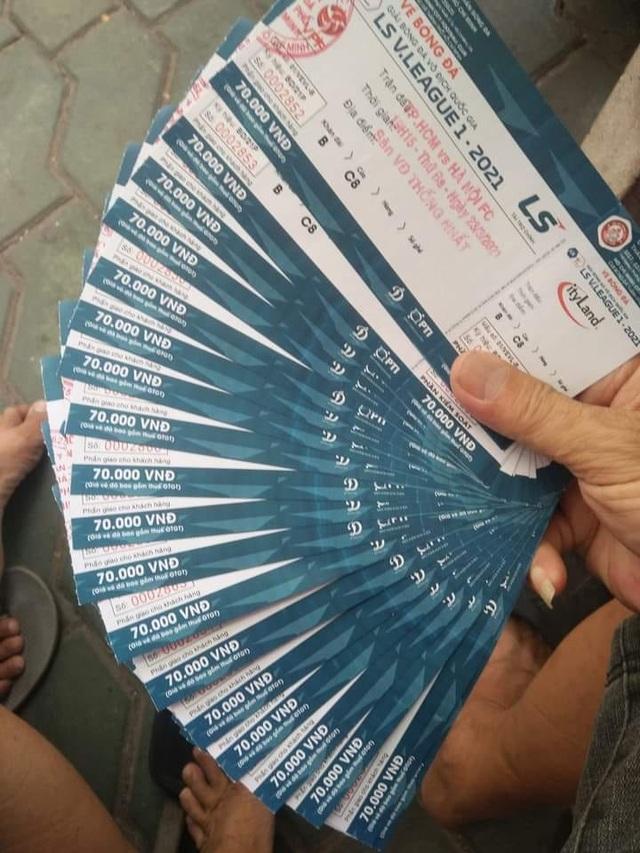 Sốt vé xem Lee Nguyễn đối đầu với Quang Hải ở sân Thống Nhất - 11