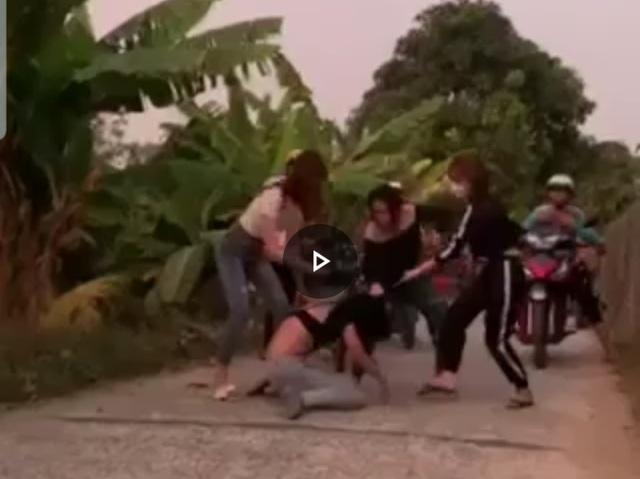 Nữ sinh lớp 7 bị xâm hại và bị 30 người đánh ghen dã man - 1