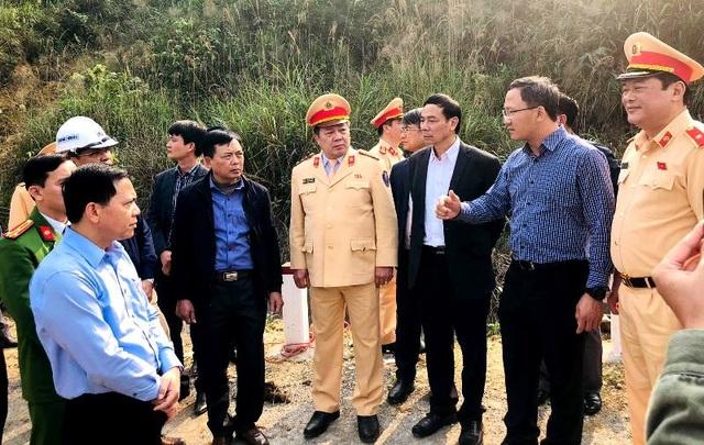 Phó Thủ tướng yêu cầu điều tra nguyên nhân vụ tai nạn 7 người chết - 3