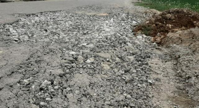 Quốc lộ xuống cấp thê thảm: Vừa thi công xong, mặt đường lại hư hỏng nặng - 2