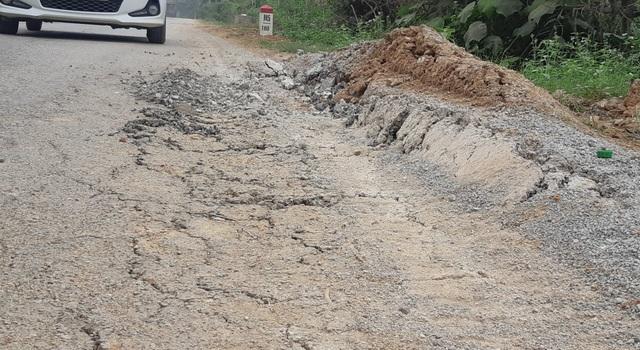 Quốc lộ xuống cấp thê thảm: Vừa thi công xong, mặt đường lại hư hỏng nặng - 5