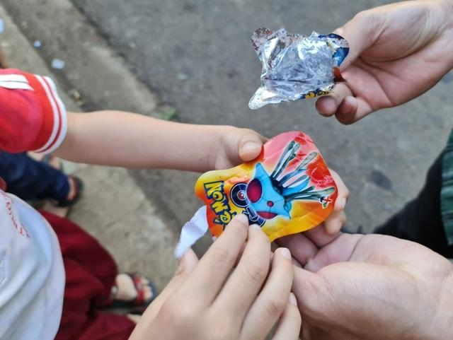 Cảnh báo nguy hiểm với đồ chơi pháo nổ siêu rẻ khiến học sinh thích thú  - 2