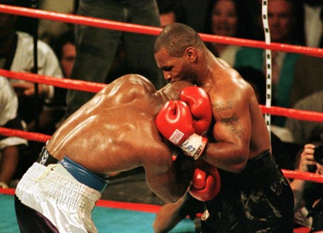 Mike Tyson nổi điên với ý tưởng tái đấu với Holyfield - 2