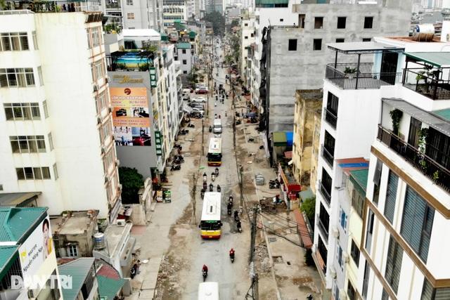 Hà Nội: Con đường dài hơn 400m xây 4 năm vẫn chưa xong - 1