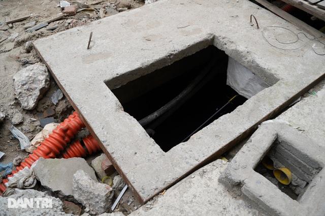 Hà Nội: Con đường dài hơn 400m xây 4 năm vẫn chưa xong - 4