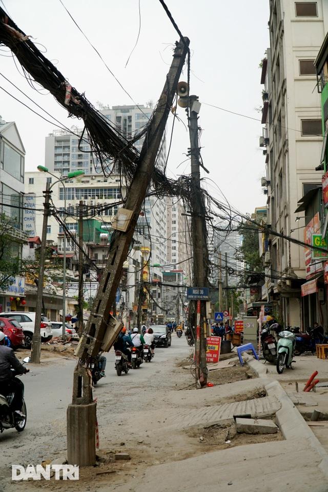 Hà Nội: Con đường dài hơn 400m xây 4 năm vẫn chưa xong - 7