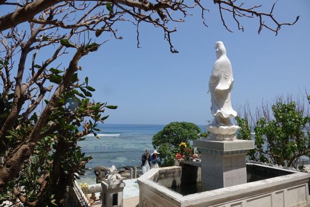 Kỳ lạ ngôi chùa không sư trong hang đá núi lửa nghìn năm ở Lý Sơn - 6