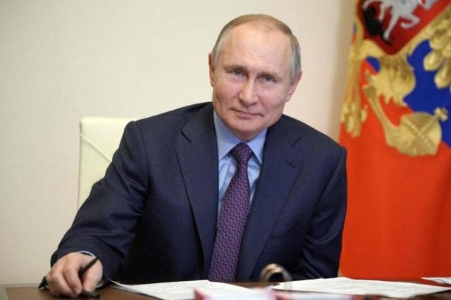 Ông Putin tiêm vắc xin ngừa Covid-19 - 1