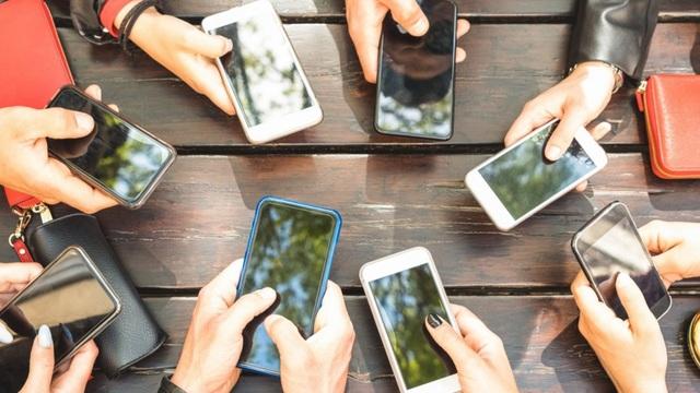 Công ty treo thưởng 2.400 USD cho ai rời xa smartphone trong 24 giờ - 1