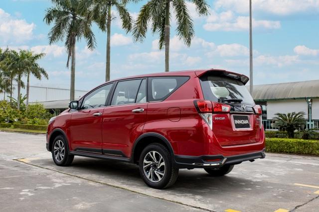Từ bỏ sedan thể thao, ông bố trẻ chọn Toyota Innova và lý do gây xúc động - 2