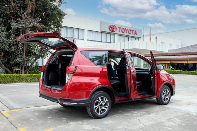 Từ bỏ sedan thể thao, ông bố trẻ chọn Toyota Innova và lý do gây xúc động - 3