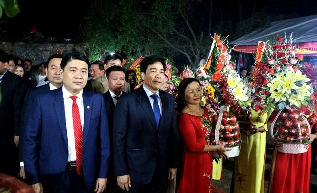 Hàng ngàn du khách tưng bừng trẩy hội Bà Thu Bồn ở Quảng Nam - 1