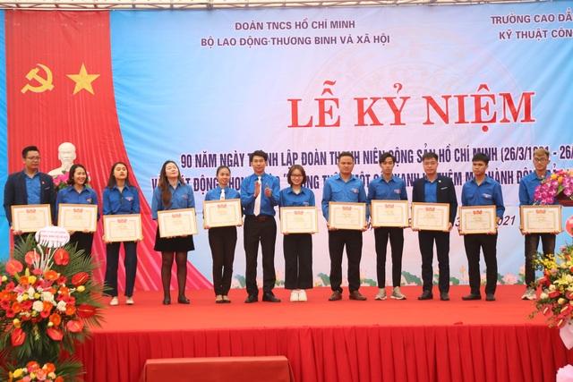 Công tác Đoàn có vai trò quan trọng trong phát triển kinh tế - xã hội - 4