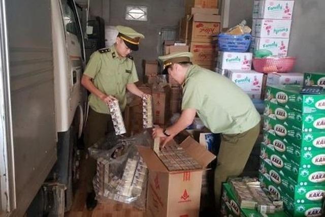 Quảng Bình: Thu giữ hơn 2.600 bao thuốc lá giả - 1