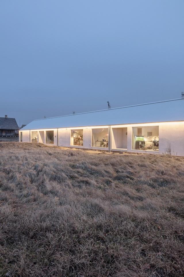Ngôi nhà đẹp lạ như cồn muối, ôm trọn cả thiên nhiên - 2