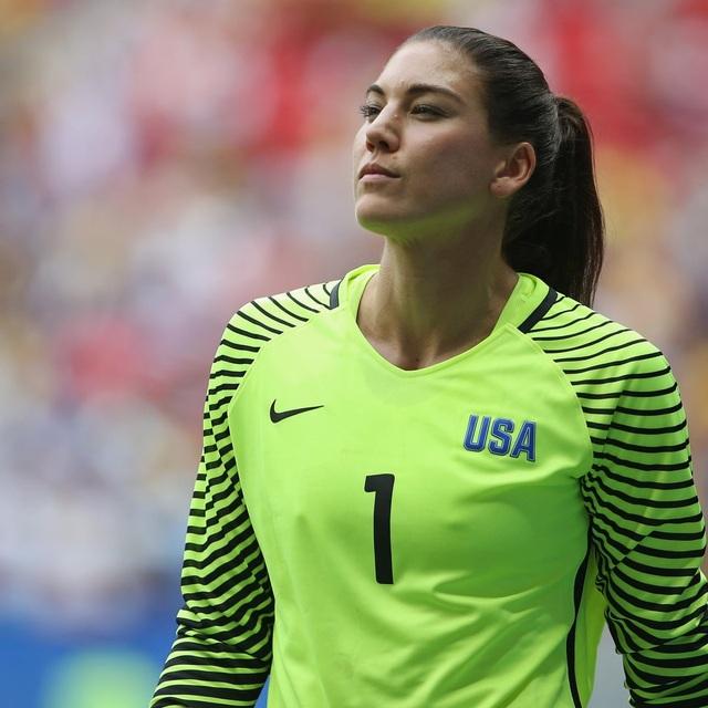 Điểm danh những nữ cầu thủ gợi cảm nhất thế giới - 3