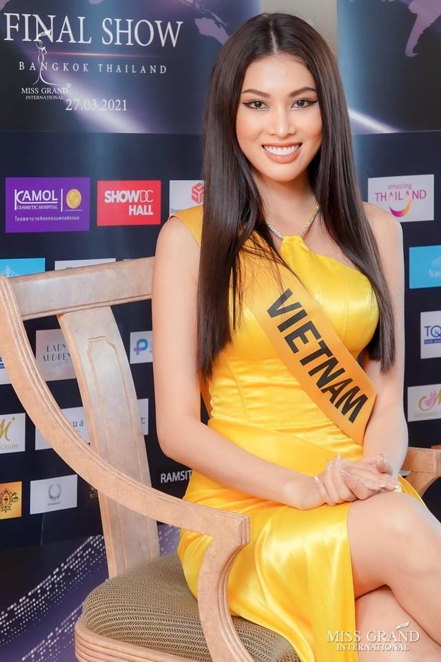 Việt Nam trượt top 5 thí sinh trình diễn áo tắm Hoa hậu Hòa bình Thế giới - 13