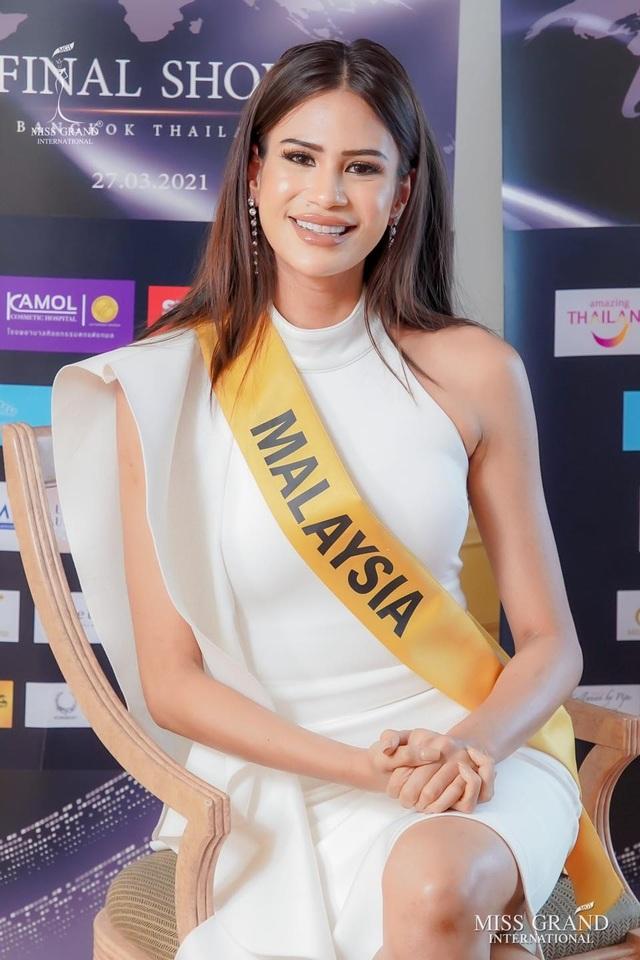 Việt Nam trượt top 5 thí sinh trình diễn áo tắm Hoa hậu Hòa bình Thế giới - 12