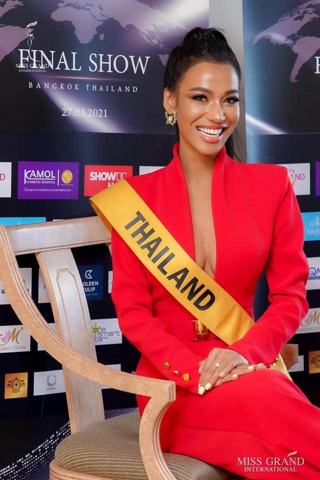 Việt Nam trượt top 5 thí sinh trình diễn áo tắm Hoa hậu Hòa bình Thế giới - 10