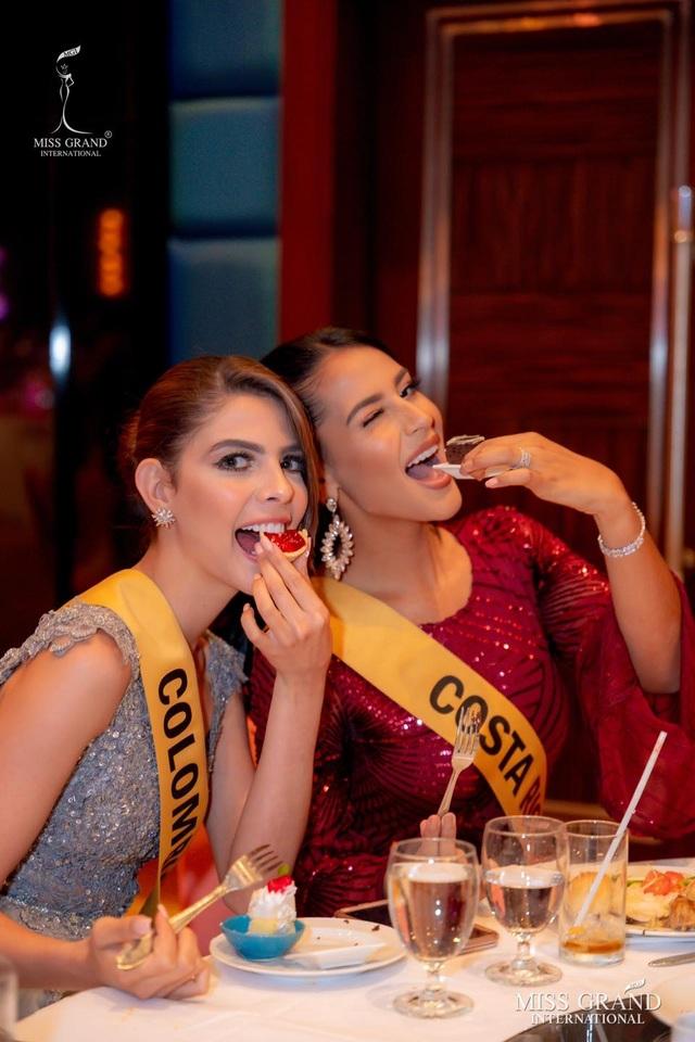 Việt Nam trượt top 5 thí sinh trình diễn áo tắm Hoa hậu Hòa bình Thế giới - 19