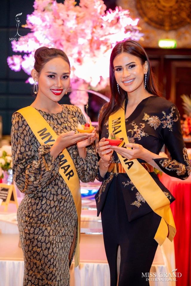 Việt Nam trượt top 5 thí sinh trình diễn áo tắm Hoa hậu Hòa bình Thế giới - 8
