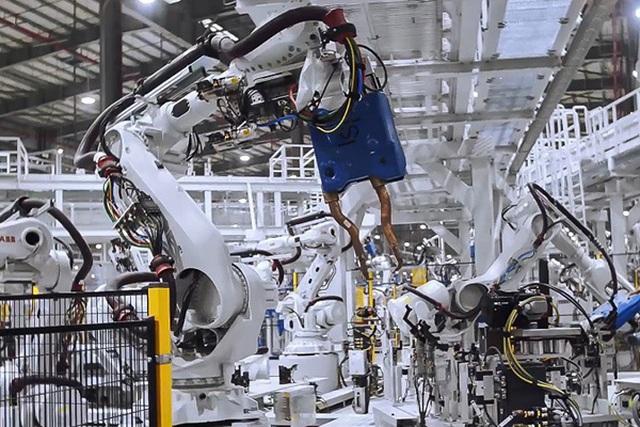 Indonesia thành công xưởng ô tô điện, lại lo Việt Nam chậm chân - 1