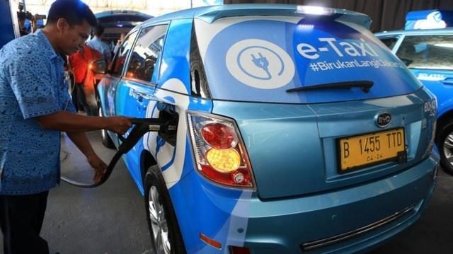 Indonesia thành công xưởng ô tô điện, lại lo Việt Nam chậm chân - 2