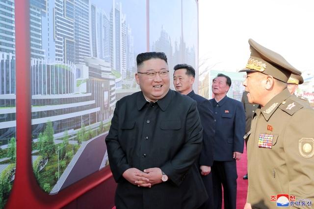 Ông Kim Jong-un khởi công dự án 10.000 căn hộ cho dân  - 3