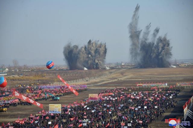Ông Kim Jong-un khởi công dự án 10.000 căn hộ cho dân  - 6