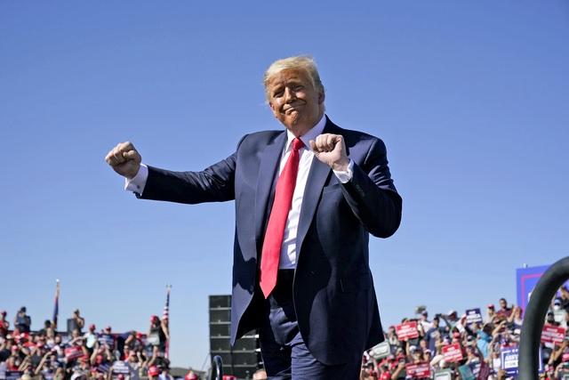 Truyền thông Mỹ chật vật vì người xem sụt giảm mạnh khi ông Trump về hưu - 1