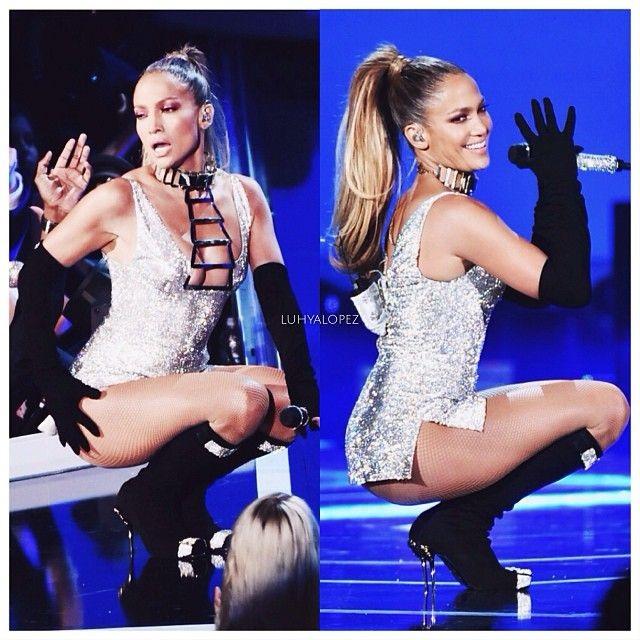 Loạt trang phục hở táo bạo của Jennifer Lopez - 6